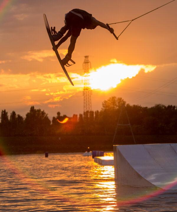 spt-wakepark-salto-tramonto